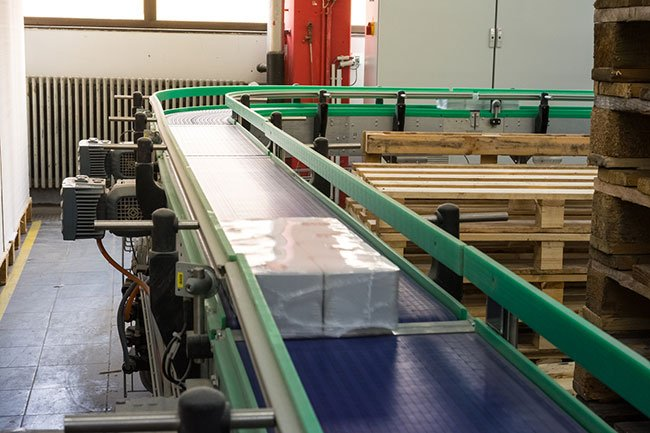 different-types-conveyor-belts-their-uses-swanton-welding.jpg